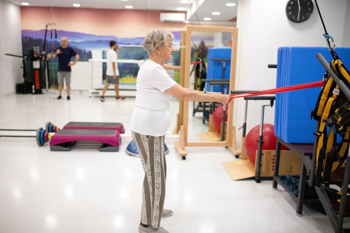 treningi rehabilitacyjne dla seniorow